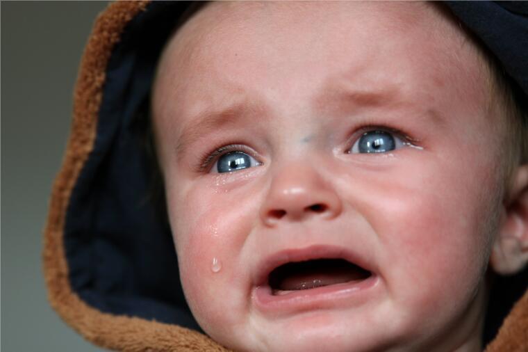 北京心理咨询:乘客不满婴儿飞机上哭闹,被母亲怒怼有本事你们别生孩子
