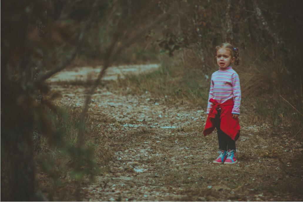 """北京心理咨询:9岁女孩被针扎、开水烫,而母亲竟说""""我觉得打她是对的"""""""